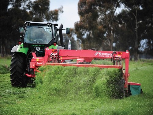 A hand on the tiller gains early summer pasture silage success