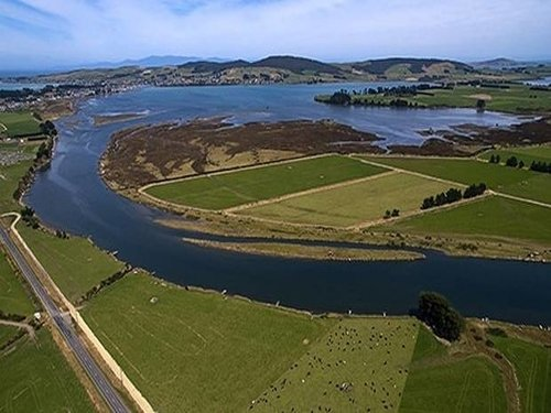 600 farmers in big water project